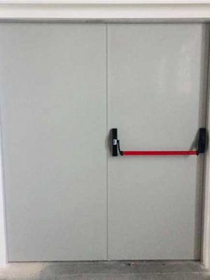 Puerta cortafuegos doble hoja – 60 o 120 minutos de resistencia