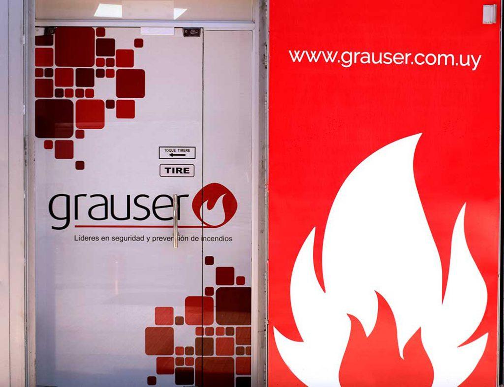 Puerta del depósito de Grauser